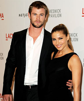 chris hemsworth and wife
