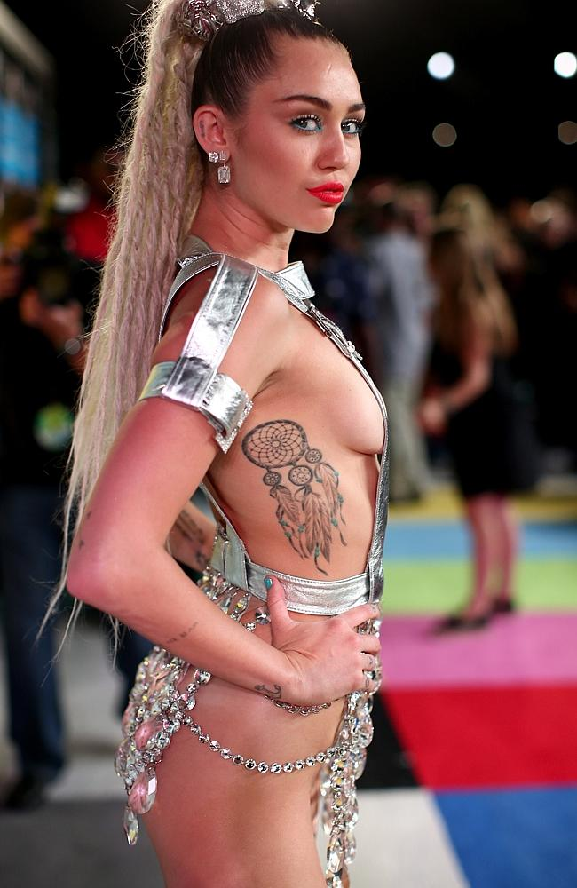 Miley Cyrus attends the 2015 MTV Video Music Awards